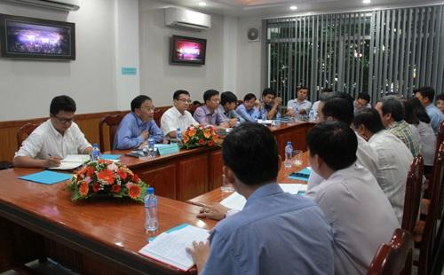 Chủ tịch Uỷ ban nhân dân tỉnh làm việc với Sở Xây dựng