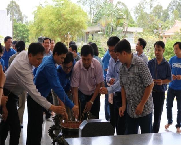 Đoàn cơ sở Sở Xây dựng Đồng Tháp tổ chức hoạt động, giao lưu chào mừng kỷ niệm 73 năm Cách mạng tháng Tám thành công và Quốc Khánh nước CHXHCN Việt Nam (02/9/1945 – 02/9/2018)
